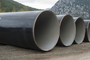 Large diameter metal pipes