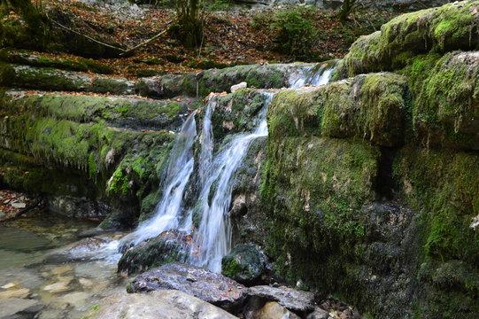 cascade du herisson doubs