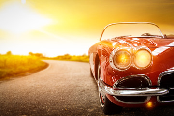 Ingelijste posters Vintage cars car and sunset time