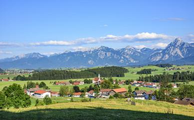 typische Landschaft im Ostallgäu