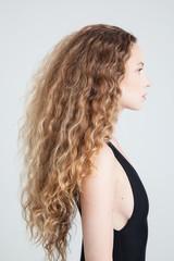 Model snapshot of curly hair girl