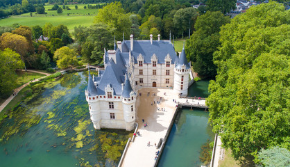 Fotobehang Kasteel Photographie aérienne du château d'Azay le Rideau