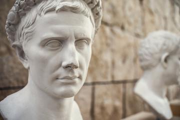 Busto di Augusto Imperatore. Copia in gesso di originale romano