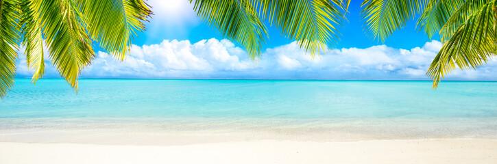 Photo sur Plexiglas Tropical plage Sommer, Sonne, Strand und Meer als Panorama Hintergrund