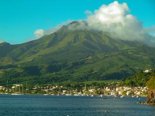 Papiers peints Bleu vert Martinique-Volcan de la Montagne Pelée