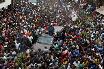 Opposition leader Raila Odinga greets supporters, Nairobi, Kenya