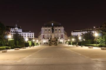 Teatro Real in der Nacht