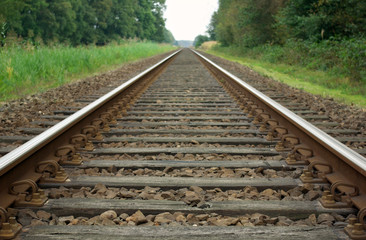 Single track railroad