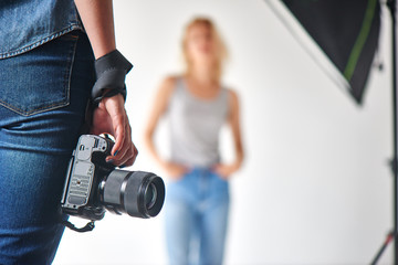 The camera on the background model in the Studio