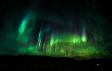 Atemberaubende Nordlichter über Island