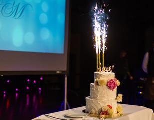 Wedding cake with flares