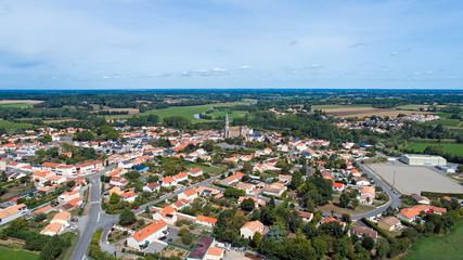 Photo aérienne du village de Port Saint Père
