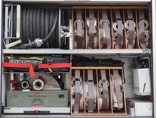 Feuerwehr - Schlauch Rüstsatz auf einem Feuerwehr Fahrzeug