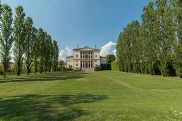 Ville Venete: Villa Cornaro, anno 1552 di Andrea Palladio, parco alberato e facciata sud, Piombino Dese
