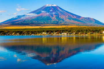 The Mount Fuji of the first snowcap. Shot in the early morning.The shooting location is Lake Yamanakako, Yamanashi prefecture Japan.