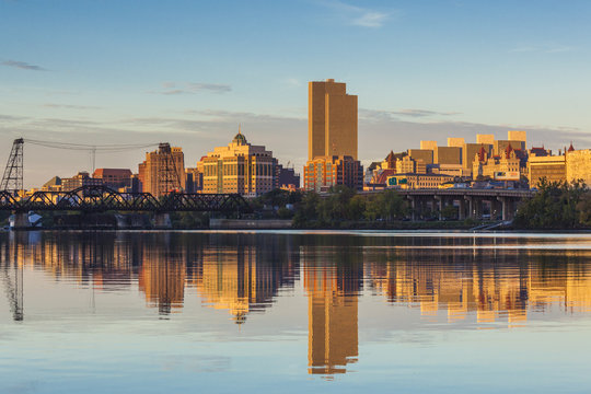 USA, New York, Hudson Valley, Albany, skyline from the Hudson River, morning