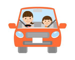 自動車を運転する母と子