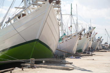 Traditionelle Boote in Makassar in Indonesien