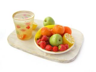 Фото поднос лимонад в стакане тарелка фруктов из пластика муляж бутафория fruits