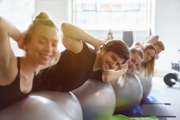 sportler im fitness-studio