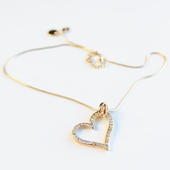 Gold heart neclace