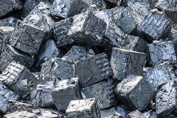 Metallschrott aus der Schrottpresse