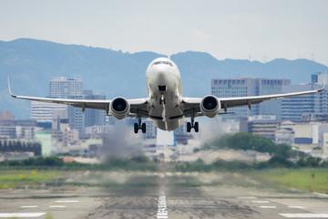 Boeing 737 taking off