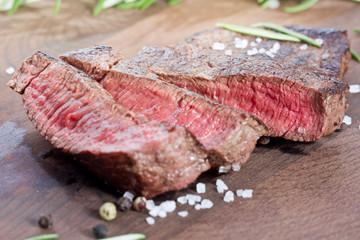 aufgeschnittenes Steak