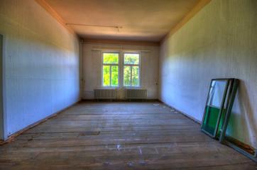 Leeres Zimmer vor der Renovierung