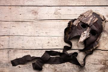Maske auf Holz, Verkleidung und Maskerade für Theater
