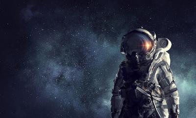 Przygoda kosmita. Różne środki przekazu