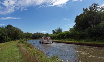 Canal de Briare dans le Loiret