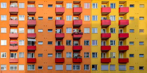 Bunte Hausfassade in Berlin-Moabit