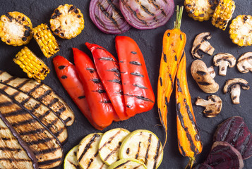 Grilled vegetables background
