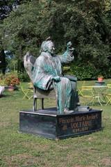 Yvoire, statue de Voltaire