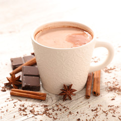 Foto op Plexiglas Chocolade hot milk with cocoa and spices