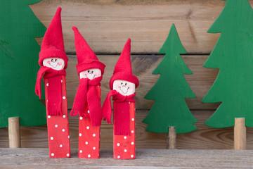 Weihnachtswichtel aus Holz