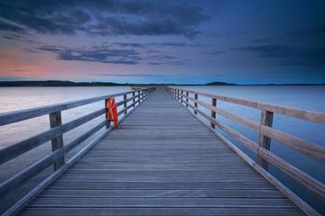 lange Seebrücke - Holzsteg auf dem Wasser