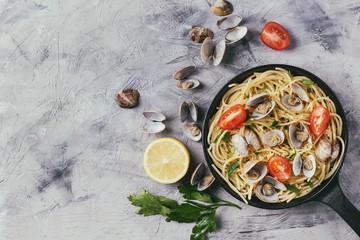 Vongole shellfish with spaghetti