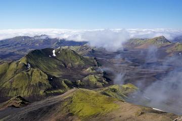 Landschaft mit Vulkankrater auf Island vom Gipfel, des Sveinstindur