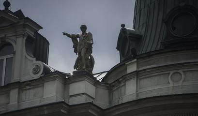 Wall Mural - abstrakcja ,posąg na dachu. jowisz