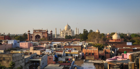 Aerial view of Taj Mahal and Agra city in India Fototapete