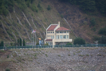 house at the dam to regulate water