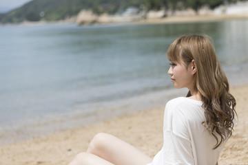 浜辺のギャル