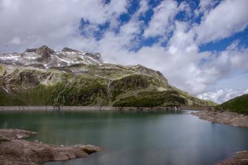 Stausee in den Bergen