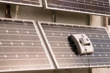 Solarmodule reinigen mit Roboter