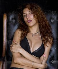Modelo sexy en ropa interior