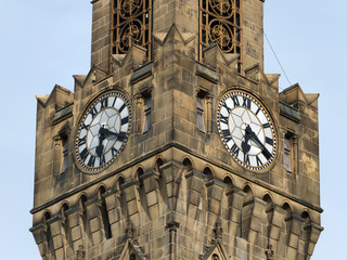 the clocks and tower of bradford town hall