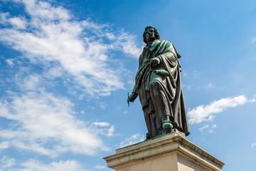 Fototapete - Statue off Mozart in Salzburg