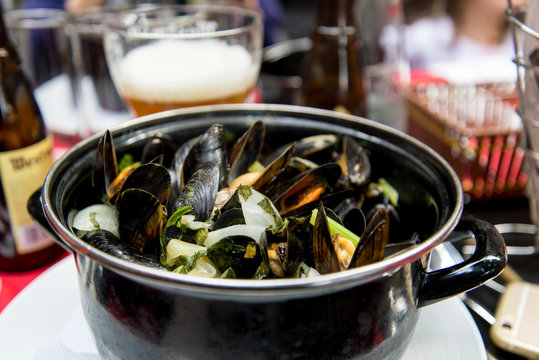 mussels white wine sauce